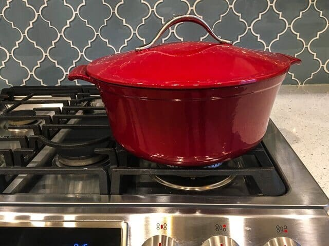 Sep 16,  · This dutch oven is made from durable cast iron with a non-reactive enamel interior that doesn't need to be seasoned. It also features over-sized stainless steel handles to keep your hands cooler when removing it from the oven and it can withstand temperatures of up to °F so it's perfect for slow cooking or roasting.