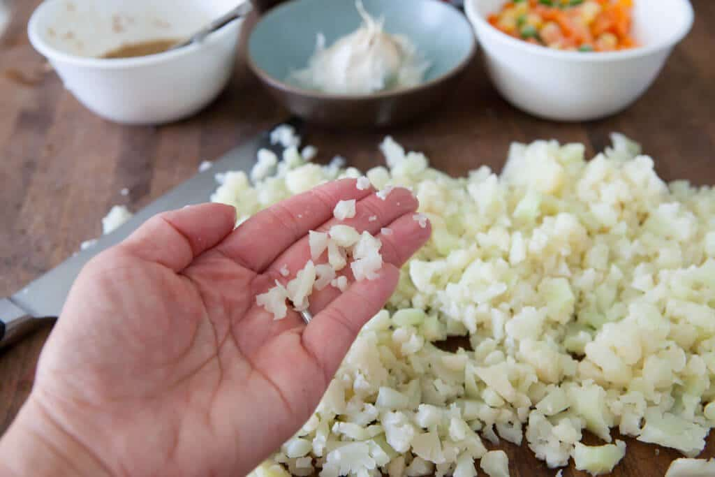 cauliflower rice chopping