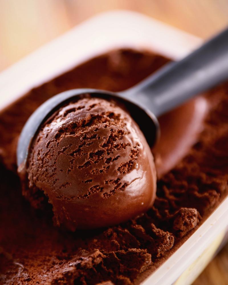 soak ice cream scoop in hot water