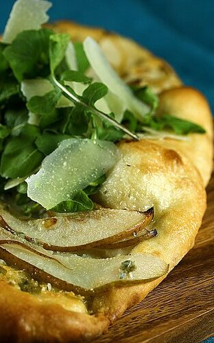 No Knead Pizza Dough: Pear and Gorgonzola Flatbread with Baby Arugula and Shaved Parmesan